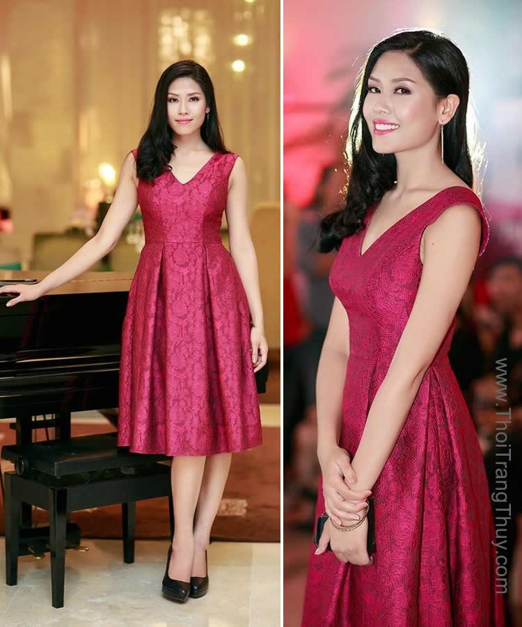 Nguyễn Thị Loan diện váy xoè thanh lịch