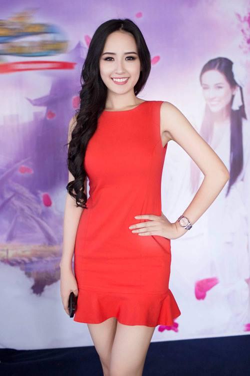 mai-phuong-thuy-dien-vay-loa-ken-thoitrangthuy-2