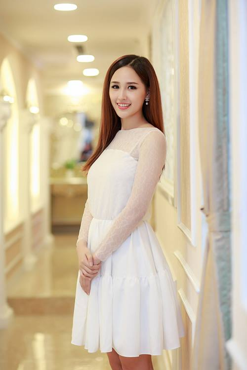 mai-phuong-thuy-dien-vay-xoe-trang-thoitrangthuy-3